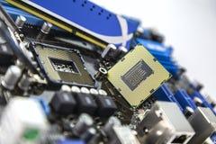 Bewerker en RAM op motherboard stock afbeelding