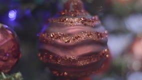 Bewerkte Kerstmis en Nieuwjaardecoratie Samenvatting Vage Bokeh-Vakantieachtergrond Knipperende Slinger Vector versie in mijn por stock videobeelden