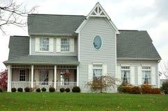 Bewirtschaften Sie Haus im Herbst Lizenzfreie Stockfotos
