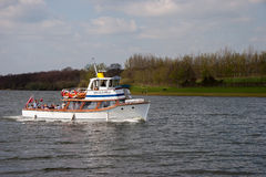 BEWL WATER RESERVOIR, LAMBERHURST/KENT - APRIL 10 : Cruise on Be Stock Image