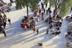 Bewohner in der Freizeit am Quadrat alter Wand Xian Lizenzfreies Stockfoto