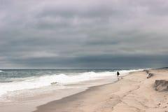 Bewolkt oceaanlandschap Stock Foto's