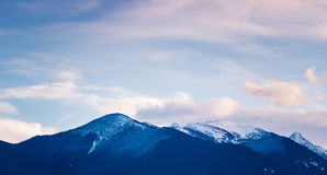Bewolkte avond in Bergen Ryla, Bulgarije februari Royalty-vrije Stock Afbeelding