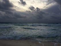 bewolkte dag stock fotografie