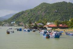 Bewolkte dag op Kay River Nabijheid van Nha Trang, Vietnam royalty-vrije stock foto's