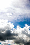 Bewolkte de zomerhemel Royalty-vrije Stock Fotografie