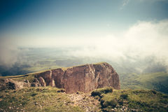 Bewolkte de Zomerreis van Rocky Mountains Landscape Royalty-vrije Stock Fotografie