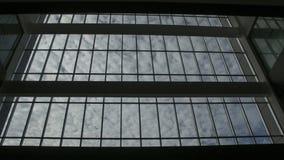 Bewolkte Hemel buiten het Venster Royalty-vrije Stock Afbeeldingen