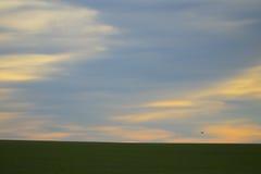 Bewolkte HEMEL IN het PLATTELAND Stock Fotografie