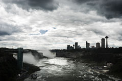 Bewolkte hemel over Niagara Stock Afbeelding