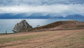 Bewolkte ochtend op het Olkhon-eiland Stock Afbeelding