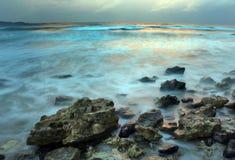 Bewolkte zonsondergang Royalty-vrije Stock Afbeeldingen
