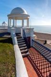 BEXHILL-ON-SEA, ВОСТОЧНОЕ SUSSEX/UK - 17-ОЕ ОКТЯБРЯ: Колоннады в grou Стоковое фото RF