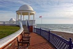 BEXHILL-ON-SEA, wschód SUSSEX/UK - STYCZEŃ 11: Kolumnada w Groun zdjęcie royalty free
