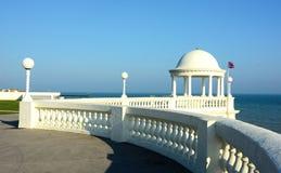 Bexhill-su-mare Re George V Colonnade ha coperto con una cupola il riparo immagini stock libere da diritti