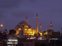 Beyazit, Istanbuł Suleymaniye meczetu noc obraz royalty free