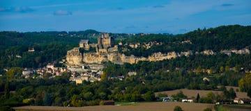 Beynac e Chassenac no Dordogne foto de stock