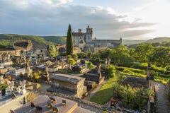 Beynac-und-Cazenac u. Dordogne-Fluss stockfotos