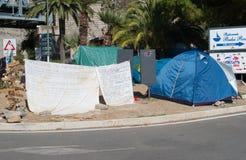 Bez dokumentów wędrownicy protestują w miasteczku Ventimiglia na Zdjęcia Stock