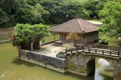 Bezaitendo e Enganchi pond no castelo de Shuri, Naha, Okinawa imagem de stock royalty free