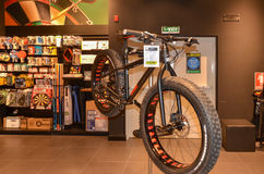 Bezaubernd in Dubai-Einkaufszentrum, Dubai im Stadtzentrum gelegen, Vereinigte Arabische Emirate am 6. Mai 2015 Stockfotografie