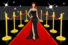Bezaubernde Dame auf rotem Teppich Lizenzfreie Stockfotos