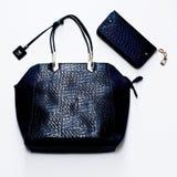 Bezaubernde Damentasche der Mode der Krokodilhaut lizenzfreies stockfoto