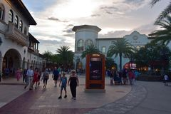Bezaubernde Speicher im Einkaufszentrum am See Buena Vista lizenzfreies stockfoto