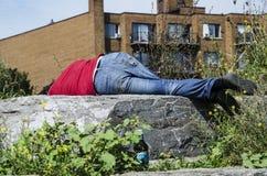 bezdomnego na smutnych Prague street Zdjęcia Royalty Free