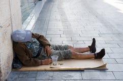 bezdomnego na smutnych Prague street Obrazy Stock