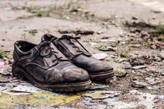 Bezdomni mężczyzna buty fotografia stock