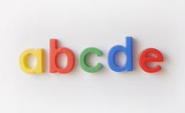 Bezeichnen Sie Kühlraummagneten mit Buchstaben stockfoto