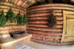 Bezems voor een stoomruimte in Russisch houten bad stock foto's