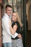 Bezet gelukkig paar dat elk houdt stock afbeeldingen