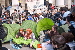Bezet protestors bij de Koninklijke Uitwisseling Stock Foto's