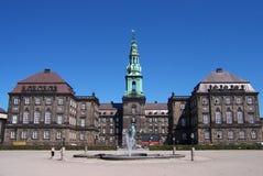 Bezienswaardigheden bezoekend Kopenhagen. Royalty-vrije Stock Foto