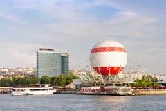 Bezienswaardigheden bezoekende Ballon, Kadikoy, Istanboel Stock Foto