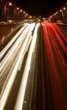 Bezig nachtverkeer in Parijs Royalty-vrije Stock Foto's