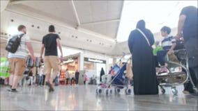 Bezige internationale luchthaven stock footage