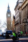 Bezige Straat dichtbij de Big Ben Stock Afbeelding
