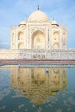 Bezinning in het water van Taj Mahal Stock Foto's