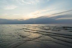 Bezinning van de zon in het overzees Royalty-vrije Stock Fotografie