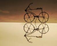 Bezinning van een met de hand gemaakte fiets Stock Afbeelding