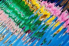 Bezinning van kleurrijke huizen in waterkanaal, Burano-eiland, Venetië, Italië Stock Afbeeldingen