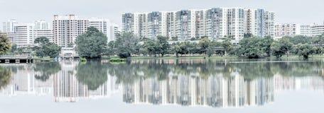 Bezinning van nieuwe landgoedhdb huisvesting complex op Jurong-Meer, Zonde royalty-vrije stock fotografie