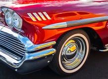 Bezinningen en een 1958 Chevy Stock Foto's
