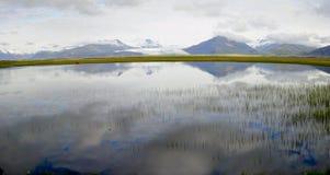 Bezinningen over de lagune in IJsland Royalty-vrije Stock Afbeelding