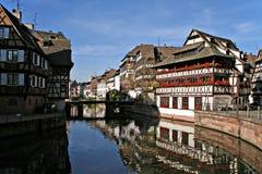 Bezinningen in Straatsburg Stock Foto's