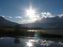Bezinningen van Sunny Skies royalty-vrije stock foto