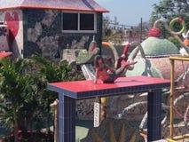 bezit, installatie, openluchtstructuur, boom, huis, huis, dak royalty-vrije stock afbeeldingen